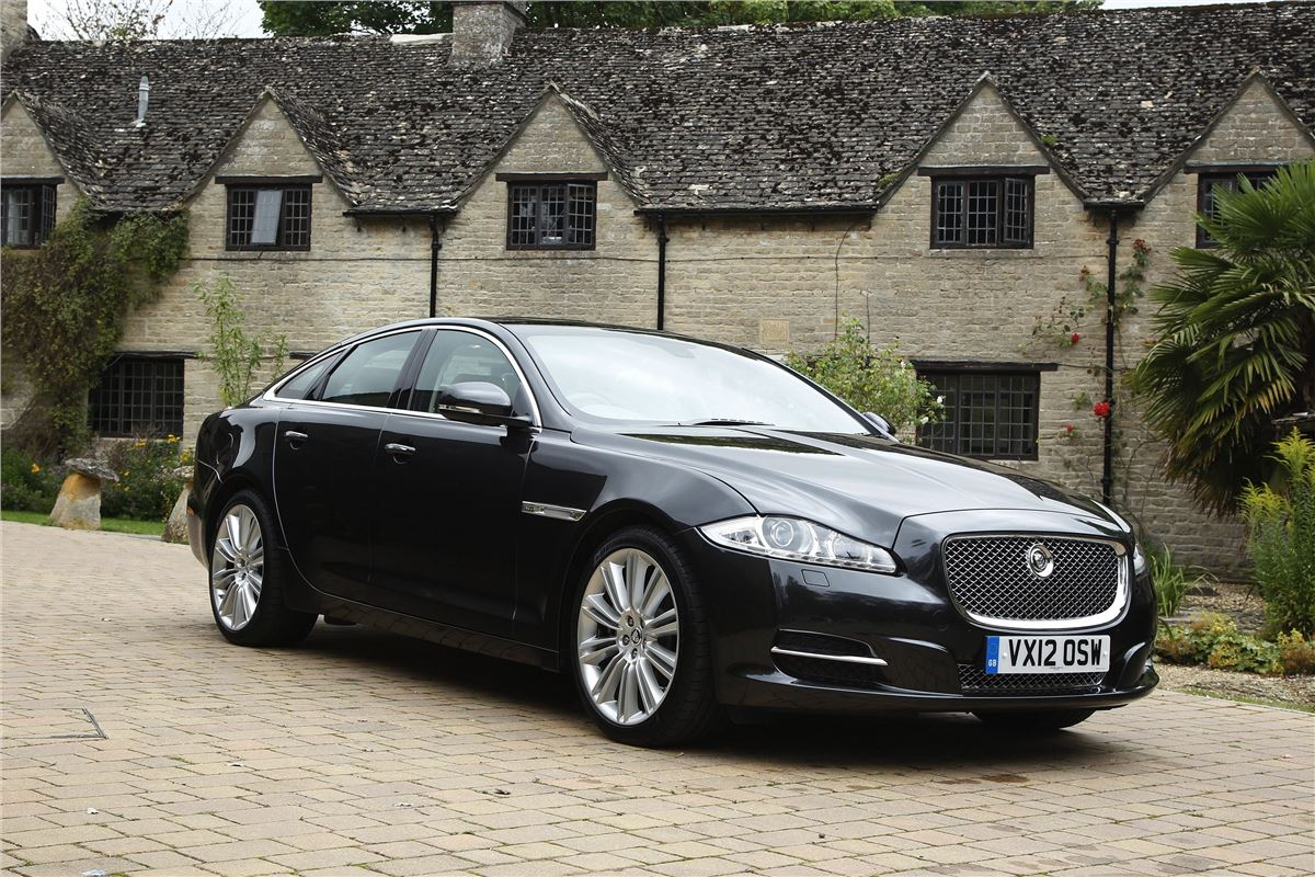 Jaguar XJ X351 2010 - Car Review
