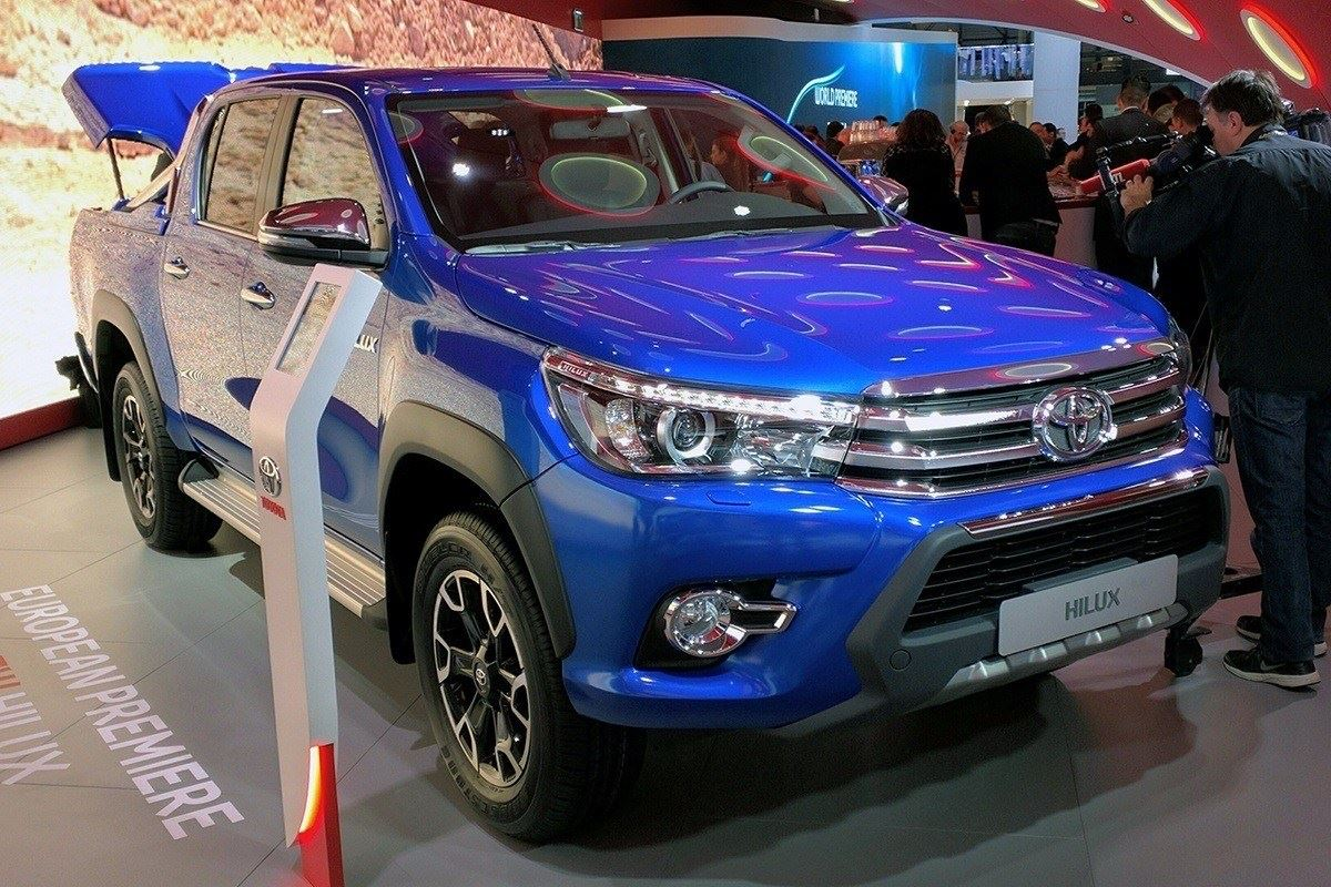Model Motor Show 2016 10 Things You Need To Know About The Toyota Hilux