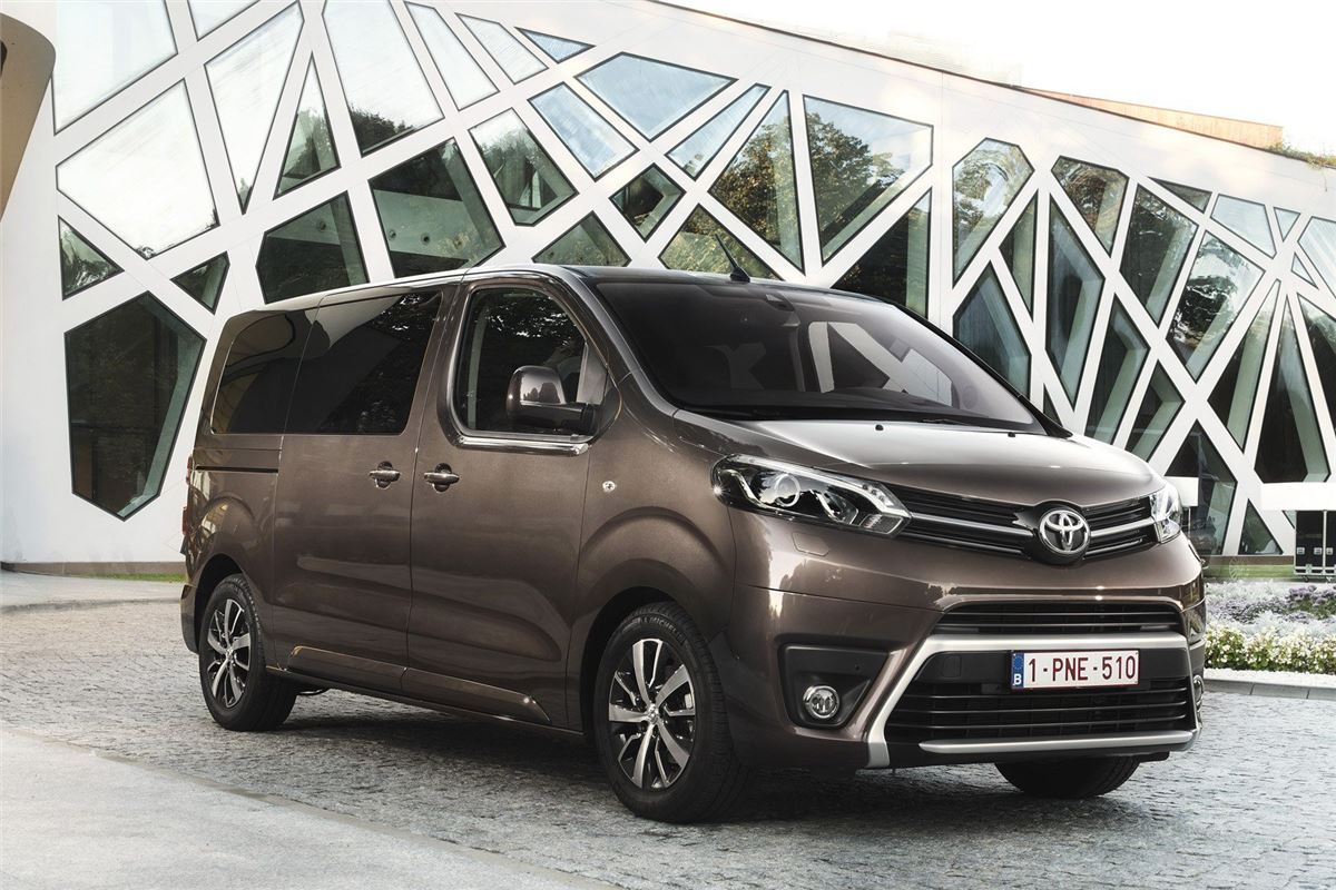 toyota proace verso 2016 car review honest john. Black Bedroom Furniture Sets. Home Design Ideas