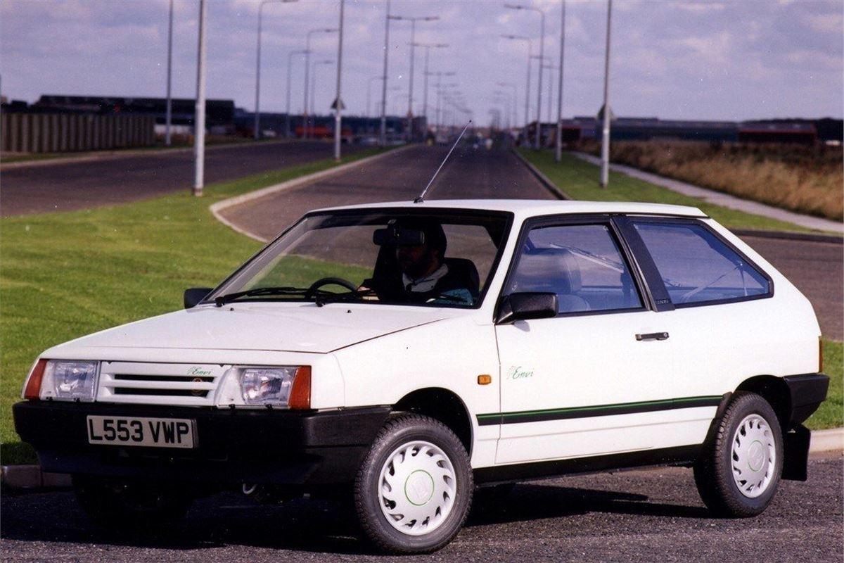 Car Garage For Sale >> Lada Samara - Classic Car Review   Honest John