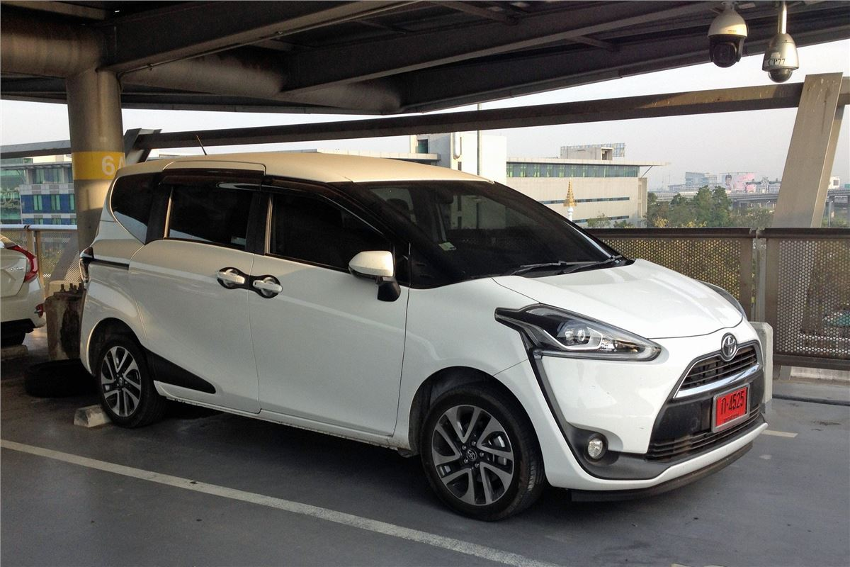 Toyota Sienta 2015 Car Review Honest John