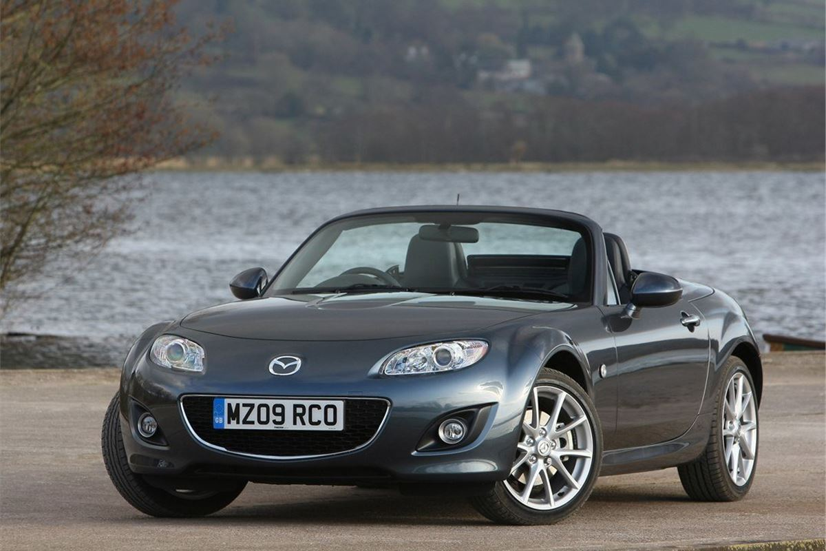mazda mx5 roadster coupe 2006 car review honest john. Black Bedroom Furniture Sets. Home Design Ideas