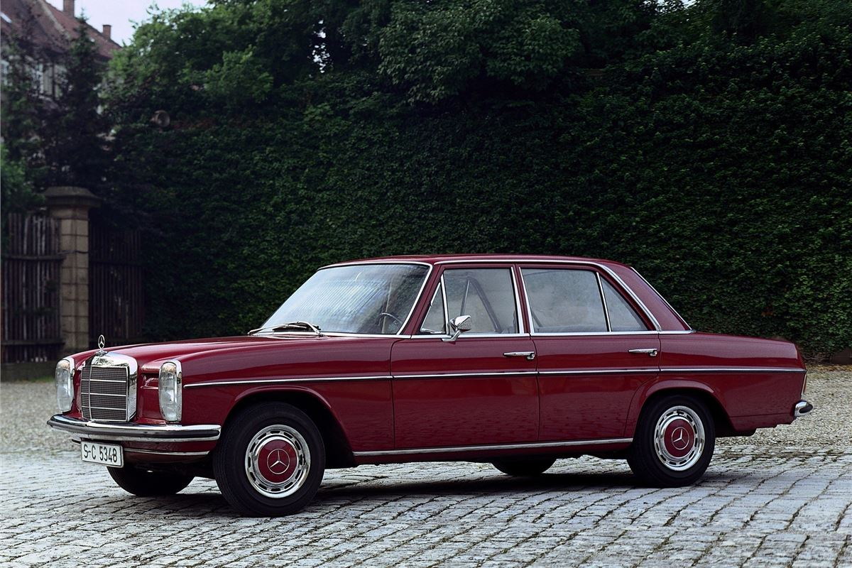 Mercedes benz e class w114 w115 classic car review for Mercedes benz forum e class