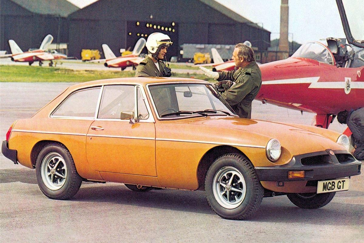 top 10 classic cars for less than 1000 honest john. Black Bedroom Furniture Sets. Home Design Ideas
