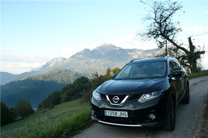 Nissan X Trail 1 6 Dig T Tekna 2015 Road Test Road Tests