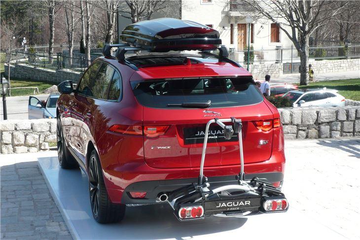 jaguar f pace 2016 road test road tests honest john. Black Bedroom Furniture Sets. Home Design Ideas