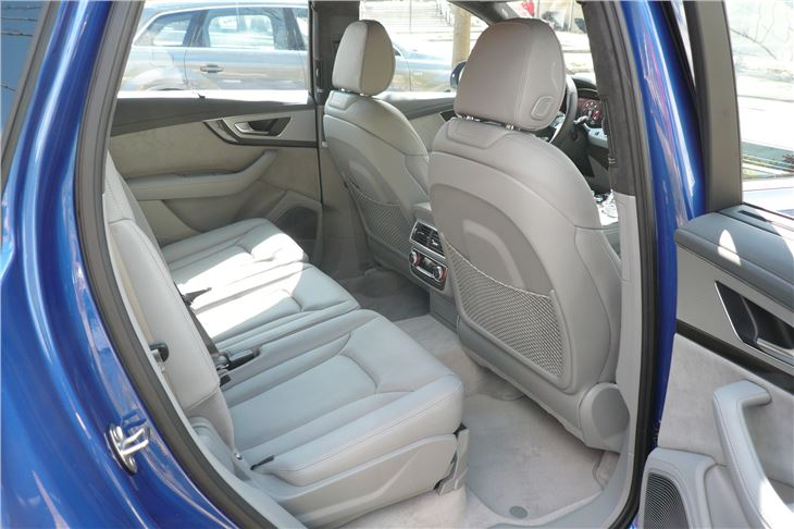 Audi Sq Rear Centre Row Seat