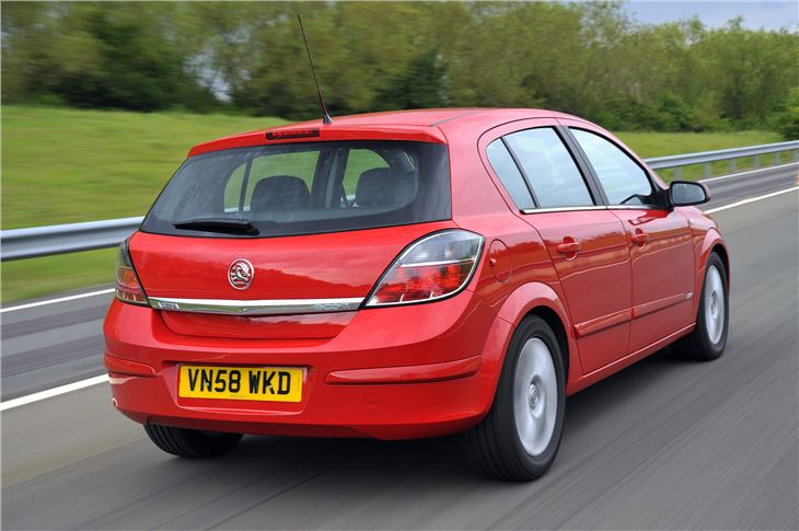 Car Engines For Sale >> Vauxhall Astra 2004 - Car Review | Honest John