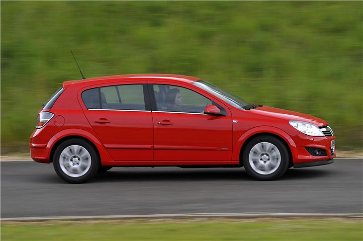 Vauxhall Astra 2004 Car Review Honest John
