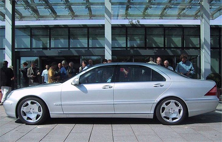 Mercedes-Benz S-Class W220 2001 Road Test | Road Tests ...