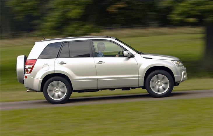 Suzuki Grand Vitara 5dr 2005 Car Review Driving