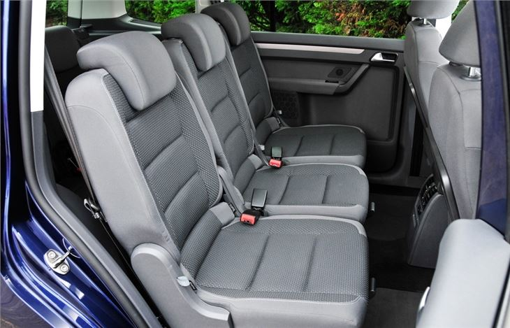 Car Seats That Fit  In A Row