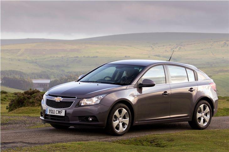chevrolet cruze hatchback 2011 car review honest john. Black Bedroom Furniture Sets. Home Design Ideas