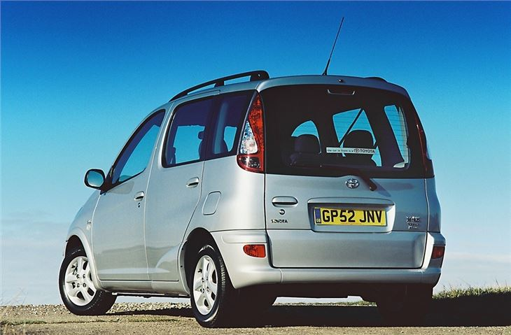 Car Finance Check >> Toyota Yaris Verso 2000 - Car Review | Honest John