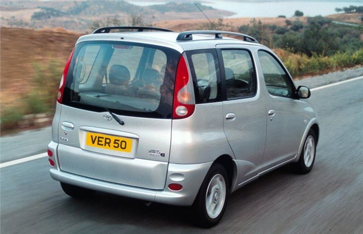 toyota yaris verso 2000 car review honest john