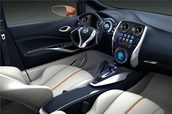 nissan invitation 2012 car review honest john. Black Bedroom Furniture Sets. Home Design Ideas