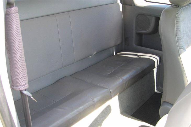 Toyota Hilux Vigo 2 5 Extra Cab 2005 Road Test Road Tests Honest John