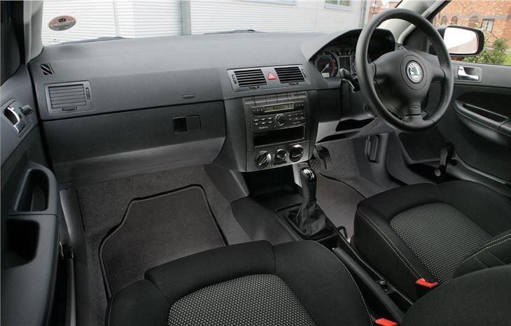 Skoda fabia 2000 car review honest john - Skoda fabia interior ...