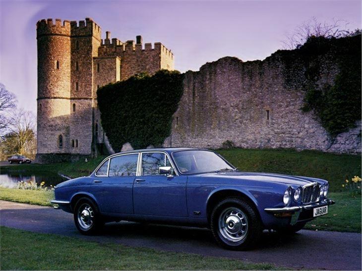 jaguar xj6 xj12 classic car review honest john. Black Bedroom Furniture Sets. Home Design Ideas