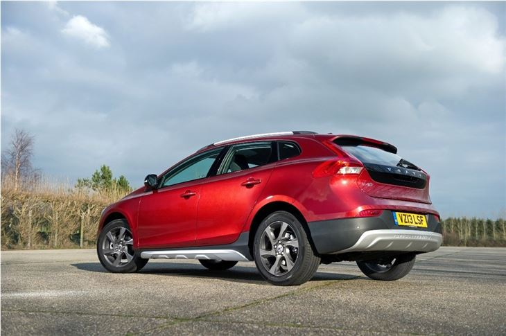 volvo v40 cross country d2 road test road tests honest john. Black Bedroom Furniture Sets. Home Design Ideas
