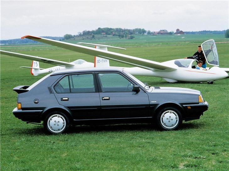 Volvo 300-Series - Classic Car Review | Honest John