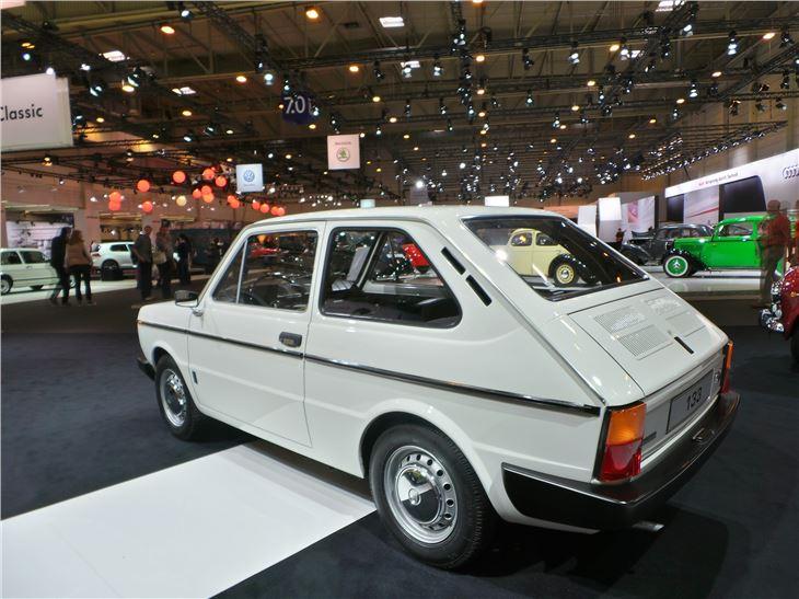 Dealerships That Buy Cars >> SEAT 133 - Classic Car Review | Honest John