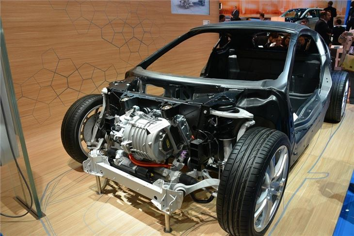 Production BMW i3 makes first public appearance   Motoring ...