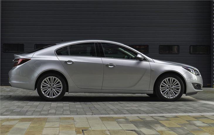 Vauxhall Insignia facelift 2013 Road Test | Road Tests | Honest John