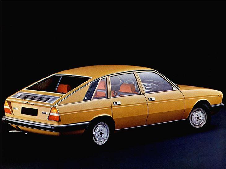 lancia gamma berlina classic car review honest john. Black Bedroom Furniture Sets. Home Design Ideas