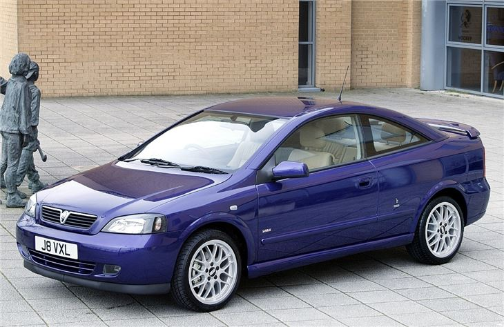 Vauxhall Astra Coupe Convertible 2000 Car Review