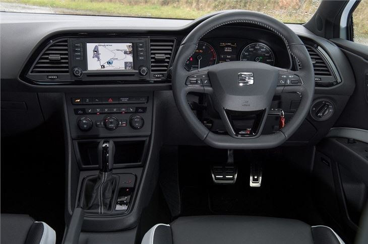Seat leon cupra 2014 car review honest john for Seat leon interior
