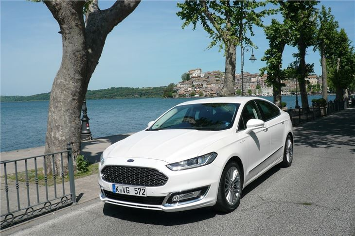 Ford Mondeo 2015 White >> Ford Mondeo Vignale 2015 - Car Review | Honest John