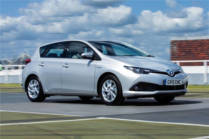 toyota auris hybrid 2015 road test road tests honest john. Black Bedroom Furniture Sets. Home Design Ideas