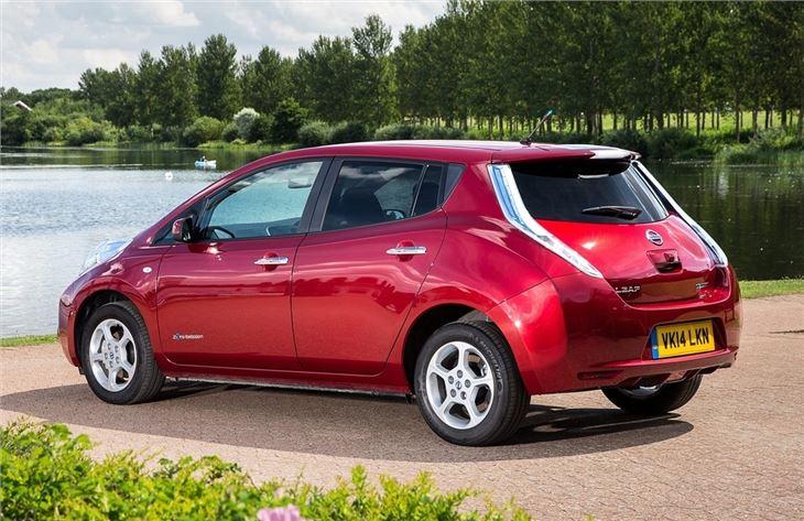nissan leaf 2011 car review honest john. Black Bedroom Furniture Sets. Home Design Ideas