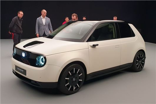 Honda e Prototype Previews RWD Electric City Car For Europe