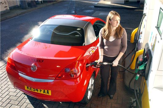 SMMT Speaks Out Against UK Banning All Combustion Engine Vehicles By 2035
