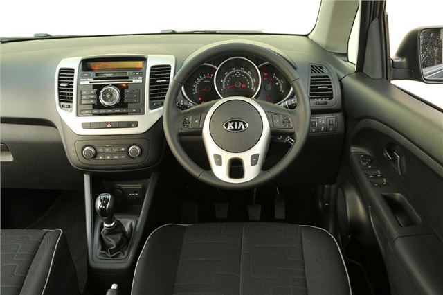 kia venga 2010 car review interior honest john. Black Bedroom Furniture Sets. Home Design Ideas