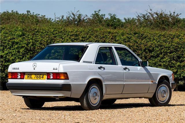 mercedes benz 190 w201 classic car review honest john. Black Bedroom Furniture Sets. Home Design Ideas