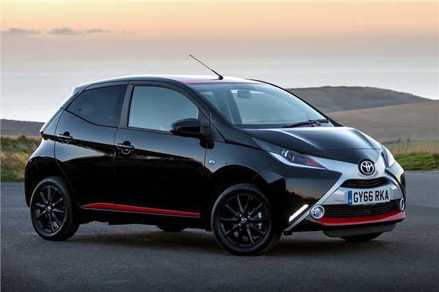 toyota aygo 1 0 x press 2017 road test road tests. Black Bedroom Furniture Sets. Home Design Ideas
