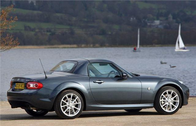 mazda mx5 roadster coupe 2006 car review honest john. Black Bedroom Furniture Sets. Home Design Ideas