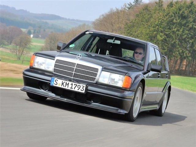 Mercedes benz 190e 2 3 16 2 5 16 classic car review for Mercedes benz 190e 2 3 16 for sale