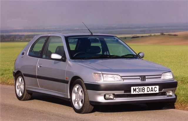 Peugeot 306 1993 - Car Review | Honest John